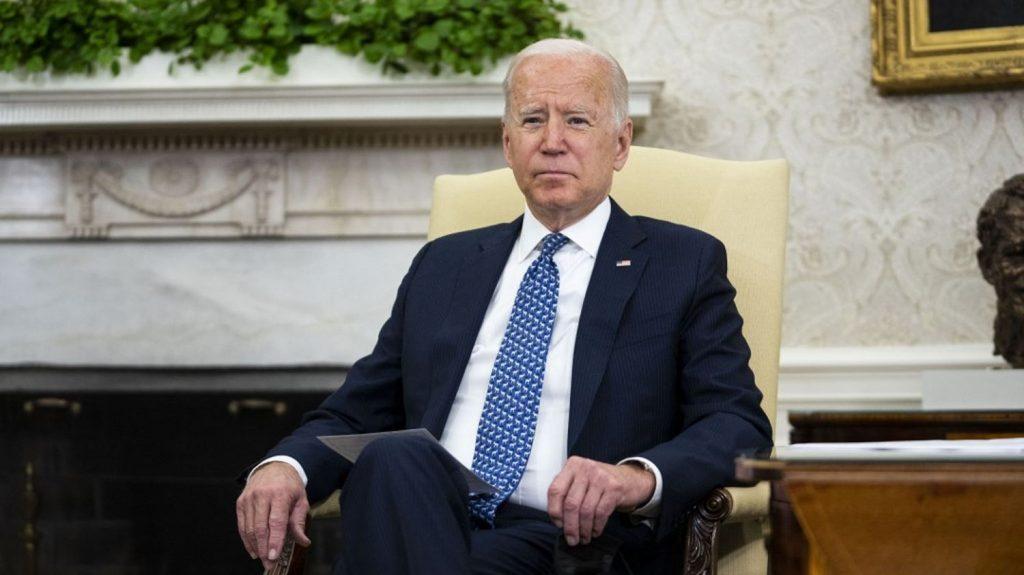 Joe Biden signs an executive order declassifying investigative documents