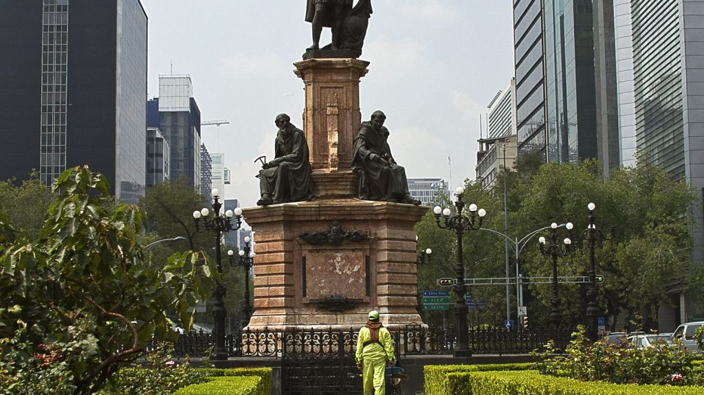 Mexico City Replaces Statue of Christopher Columbus with Statue of Indigenous Woman