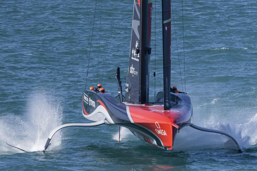 """New Zealand does not announce the location of the next America's Cup!  """"We're taking more time, Auckland is racing"""" - OA Sport"""
