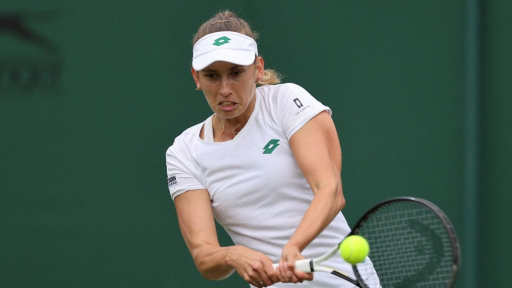She was defeated by Elise Mertens in the quarter-finals by Vondrosova