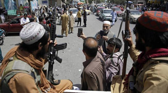 Taliban vows once again to let Afghans 'depart freely'