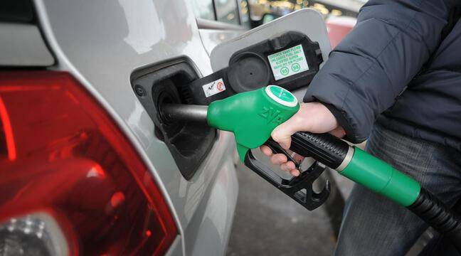 The government accuses the Truckers' Union of causing fuel shortages