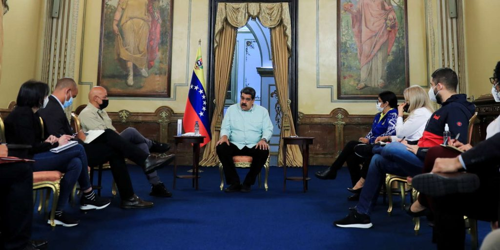 Venezuelan government mentions 'partial agreements' with opposition during negotiations in Mexico
