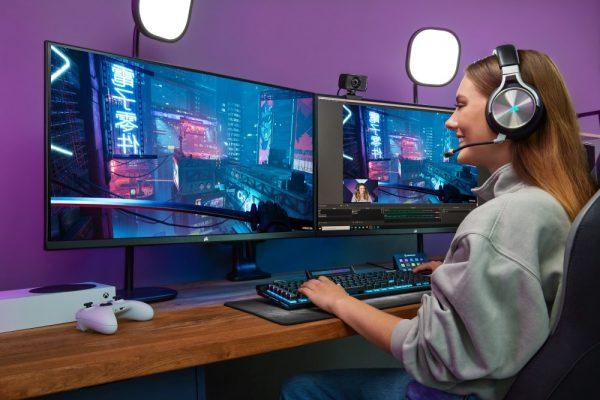 Gorgeous View - New CORSAIR XENEON 32QHD165 Gaming Monitor - Hartware