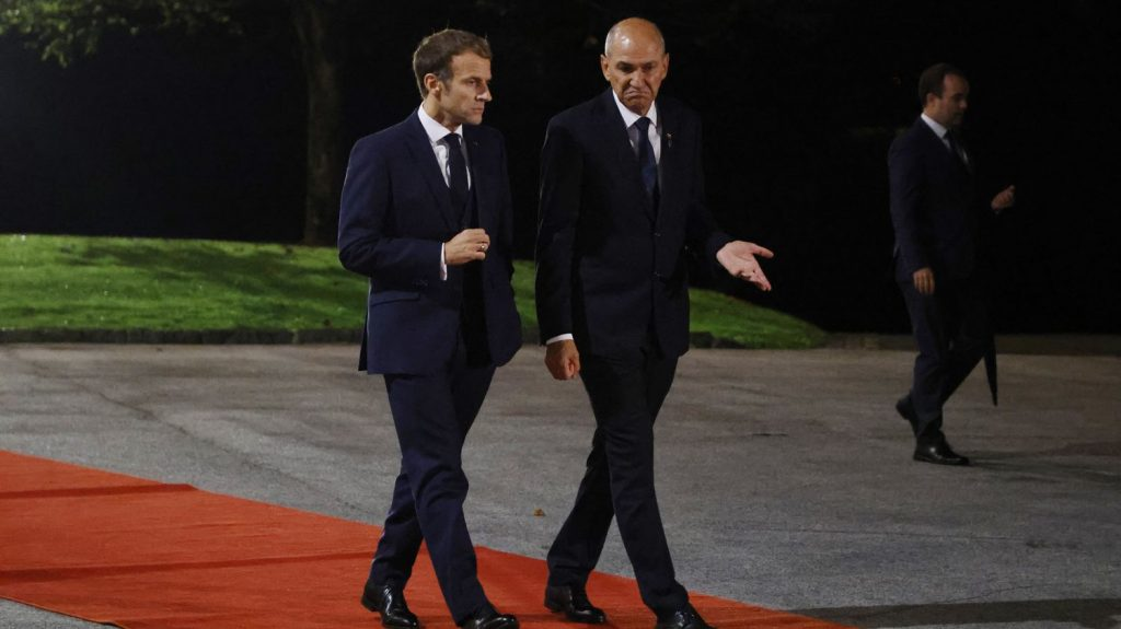 """Emmanuel Macron calls on Europeans to be """"clear"""" with themselves"""