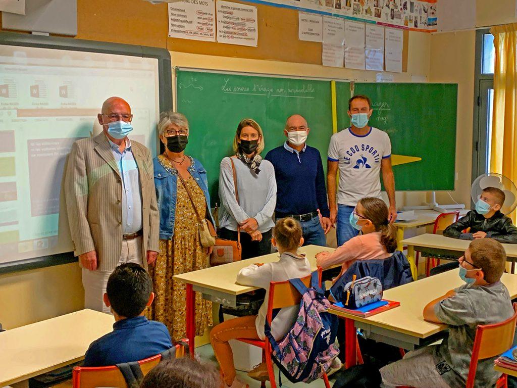 School researchers for Science Festival 2021