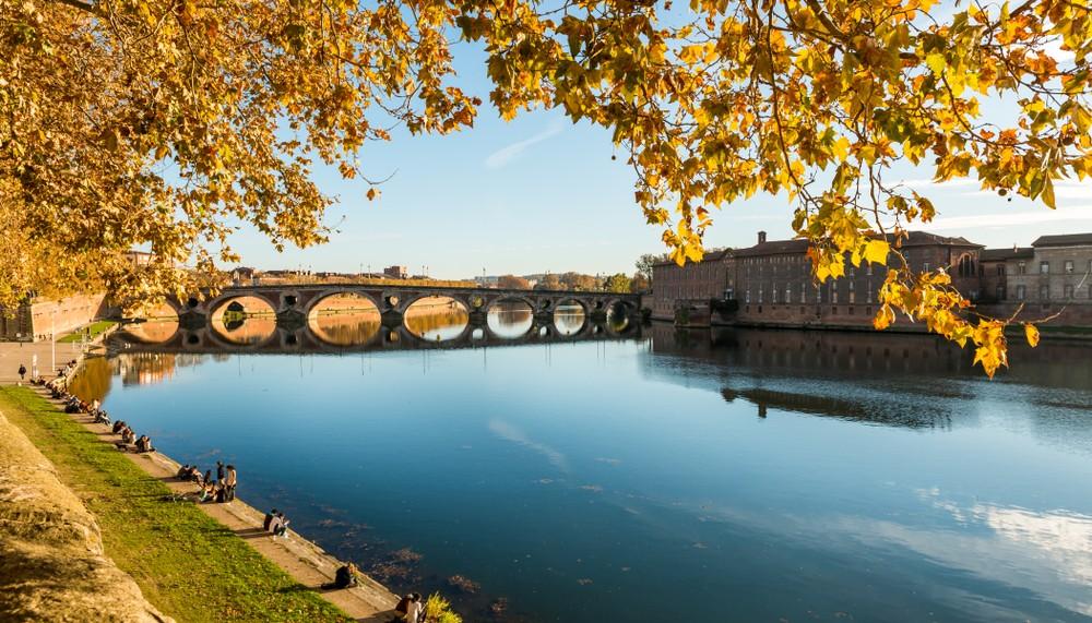 Un temps d'automne attend les Toulousains ce week-end. © FredP / shutterstock.com