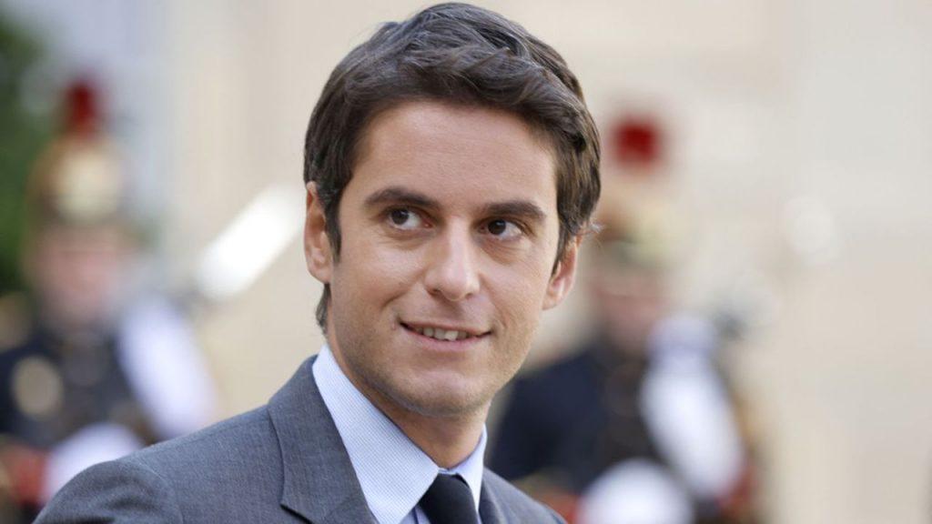 Le passe sanitaire pourrait être levé «dans les prochaines semaines», a indiqué Gabriel Attal.