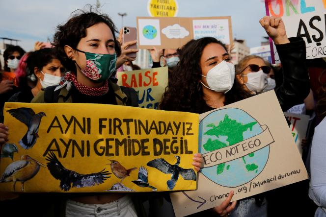Climate activists in Istanbul on September 24, 2021.